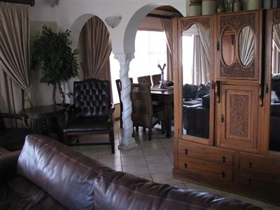 House for sale in Hartenbos