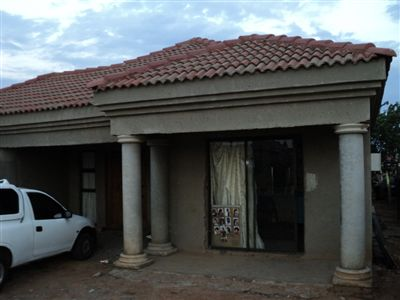 Property and Houses for sale in Vosloorus, House, 3 Bedrooms - ZAR 650,000