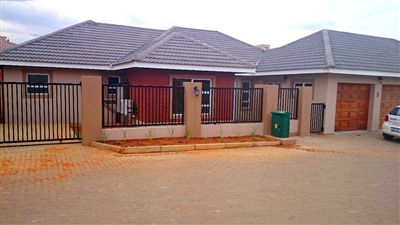 Bloemfontein, Lilyvale Property  | Houses For Sale Lilyvale, Lilyvale, Townhouse 3 bedrooms property for sale Price:1,700,000