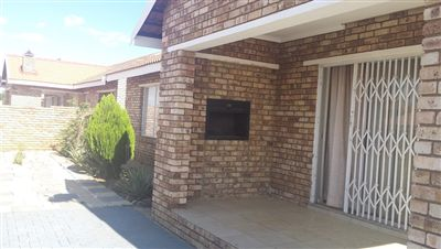 Klerksdorp, Meiringspark Property  | Houses To Rent Meiringspark, Meiringspark, Townhouse 3 bedrooms property to rent Price:,  5,50*