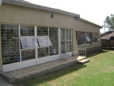Property and Houses for sale in Leondale, House, 3 Bedrooms - ZAR 710,000