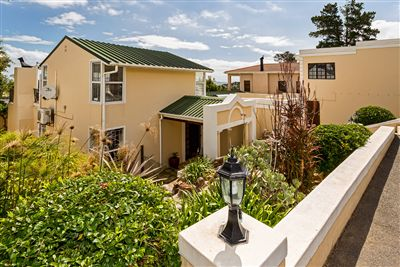 House for sale in Heldervue