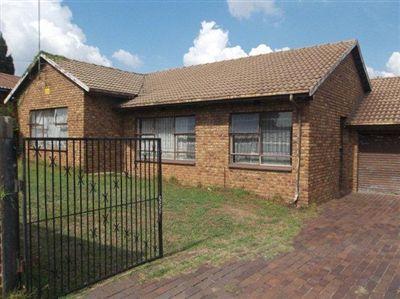 Property Ridgeway & Ext : Houses For Sale Ridgeway & Ext, Ridgeway & Ext, Cluster 2 bedrooms property for sale Price:1,100,000