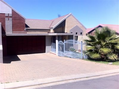 Bloemfontein, Langenhovenpark Property  | Houses For Sale Langenhovenpark, Langenhovenpark, House 3 bedrooms property for sale Price:1,400,000