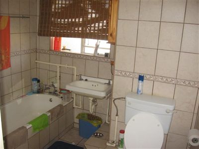 Oos Einde property for sale. Ref No: 3253079. Picture no 5
