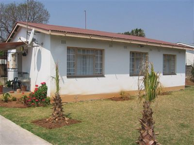 Oos Einde property for sale. Ref No: 3253079. Picture no 1