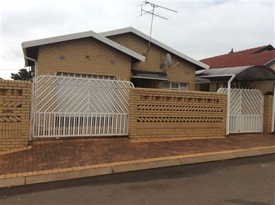 Property Protea North : Houses For Sale Protea North, Protea North, House 3 bedrooms property for sale Price:800,000