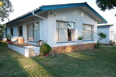 Property and Houses to rent in Kuils River (All), House, 3 Bedrooms - ZAR , 10,00*,M