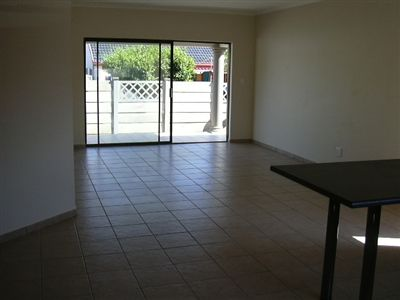 Songloed property to rent. Ref No: 3265857. Picture no 5