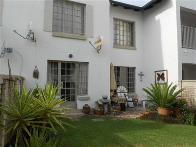 Waterkloof East property for sale. Ref No: 3265855. Picture no 1
