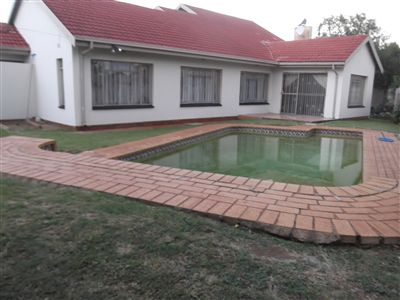 Property and Houses for sale in Leondale, House, 3 Bedrooms - ZAR 790,000