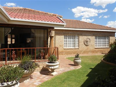 Parys property for sale. Ref No: 3269281. Picture no 1