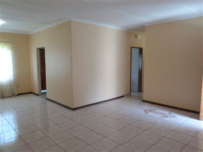 Parys property for sale. Ref No: 3270990. Picture no 5