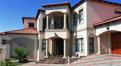Property and Houses for sale in Safari Gardens, House, 4 Bedrooms - ZAR 3,900,000