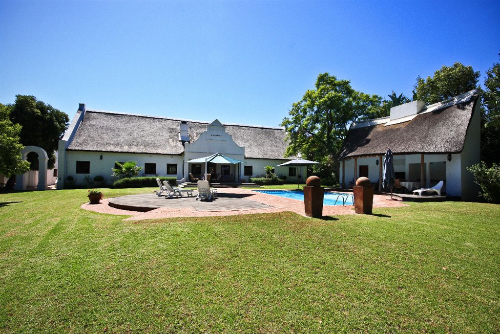 Relaxed environment on the banks of the Lourens River