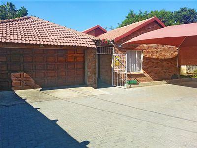 Rustenburg, Oos Einde Property  | Houses For Sale Oos Einde, Oos Einde, House 6 bedrooms property for sale Price:1,300,000