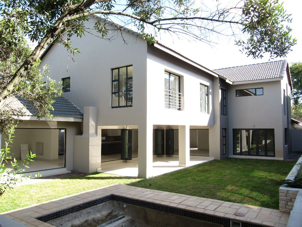 Brand new 5 bedroom spacious family cluster in Bryanston.