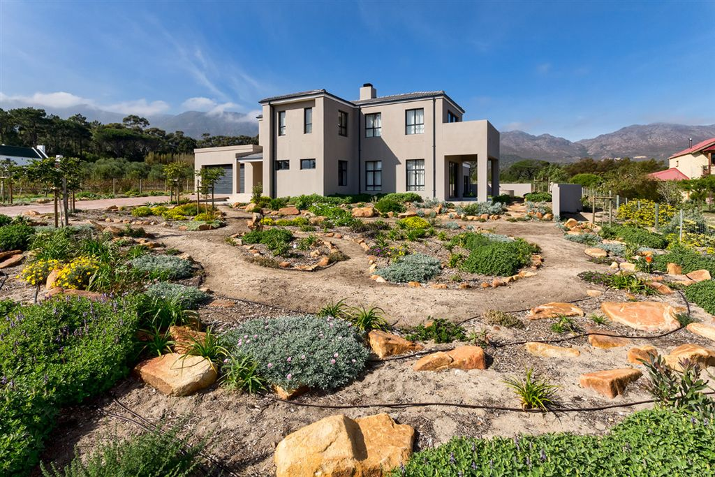 Magnificent Modern Double Storey in Tre Donne Country Estate