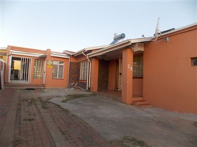 Soweto, Eldorado Park Ext 4 Property  | Houses For Sale Eldorado Park Ext 4, Eldorado Park Ext 4, House 5 bedrooms property for sale Price:880,000