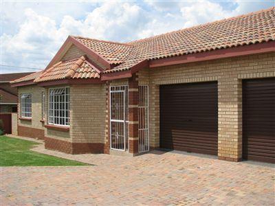 Parys property for sale. Ref No: 3285004. Picture no 1
