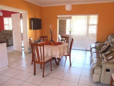 Cosy Corner property for sale. Ref No: 13236060. Picture no 1