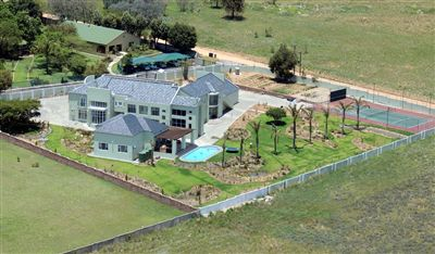 House for sale in Blue Hills
