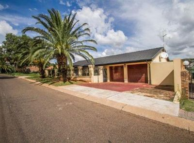 Centurion, Laudium & Ext Property  | Houses For Sale Laudium & Ext, Laudium & Ext, House 3 bedrooms property for sale Price:1,270,000