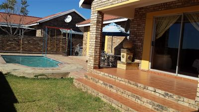 Klerksdorp, Meiringspark & Ext Property  | Houses To Rent Meiringspark & Ext, Meiringspark & Ext, Townhouse 2 bedrooms property to rent Price:,  5,00*