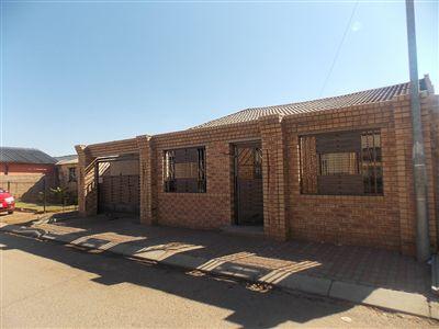 Kwaxuma, Zola Ext 3 Property    Houses For Sale Zola Ext 3, Zola Ext 3, House 3 bedrooms property for sale Price:650,000