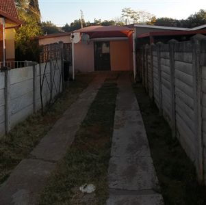 Protea Park property for sale. Ref No: 3295287. Picture no 2