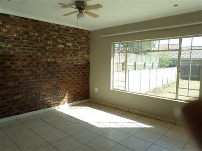Parys property for sale. Ref No: 3297109. Picture no 5
