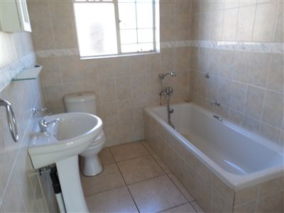 Parys property for sale. Ref No: 3297109. Picture no 10