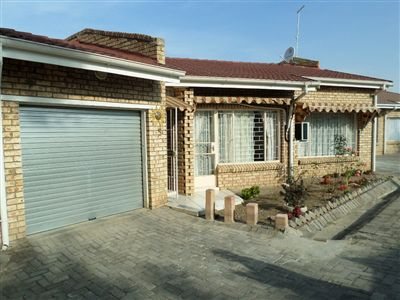 Parys property for sale. Ref No: 3297941. Picture no 1
