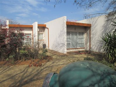 Property and Houses for sale in Leondale, House, 7 Bedrooms - ZAR 2,250,000