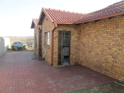 Property and Houses for sale in Leondale, House, 4 Bedrooms - ZAR 750,000