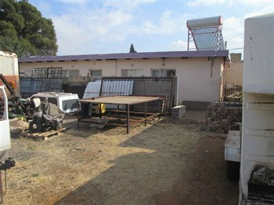 Property and Houses for sale in Leondale, House, 2 Bedrooms - ZAR 900,000
