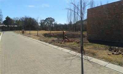 Van Der Hoff Park And Ext property for sale. Ref No: 13256019. Picture no 2