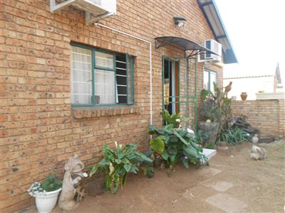 Witbank, Tasbet Park Property  | Houses For Sale Tasbet Park, Tasbet Park, Townhouse 2 bedrooms property for sale Price:700,000