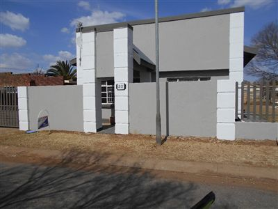 Potchefstroom Central property for sale. Ref No: 13258991. Picture no 1