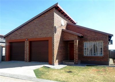 Rustenburg, Waterkloof East Property  | Houses For Sale Waterkloof East, Waterkloof East, Townhouse 3 bedrooms property for sale Price:960,000