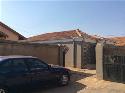 Soweto, Protea Glen Ext 11 Property  | Houses For Sale Protea Glen Ext 11, Protea Glen Ext 11, House 3 bedrooms property for sale Price:630,000