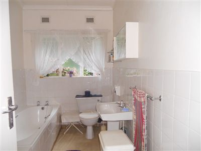 Hilton property to rent. Ref No: 13240206. Picture no 12