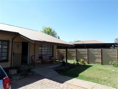 Property and Houses for sale in Brits Central, House, 5 Bedrooms - ZAR 2,150,000