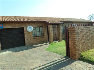 Witbank, Tasbet Park Property  | Houses For Sale Tasbet Park, Tasbet Park, Townhouse 2 bedrooms property for sale Price:550,000