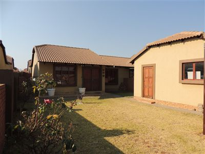 Krugersdorp, West Rand Cons Mines Property  | Houses For Sale West Rand Cons Mines, West Rand Cons Mines, Townhouse 2 bedrooms property for sale Price:599,000