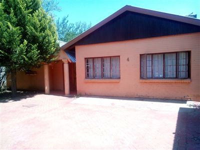Brandwag property for sale. Ref No: 13250162. Picture no 1
