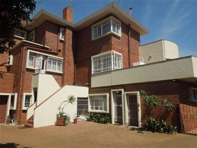 Property and Houses for sale in Cyrildene, House, 3 Bedrooms - ZAR 2,599,000