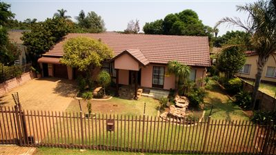 Roodepoort, Wilro Park Property  | Houses For Sale Wilro Park, Wilro Park, House 3 bedrooms property for sale Price:1,350,000