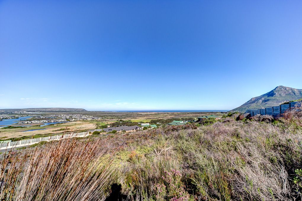 No better acre views in the whole of Noordhoek!