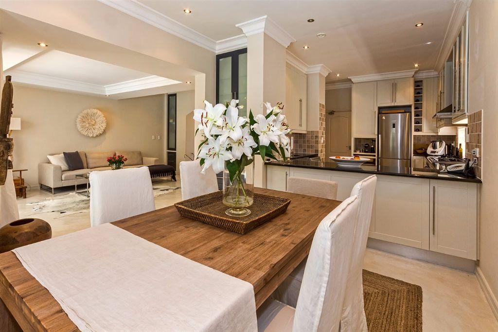True distinction for the discerning buyer - Erinvale Estate